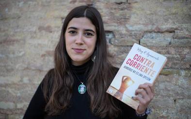 May R. Ayamonte, la 'booktuber' granadina con más de 120.000 seguidores que publica libros desde los doce años