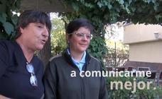 Tres mujeres con discapacidad intelectual dan consejos sobre cómo tratarlas al hablar con ellas