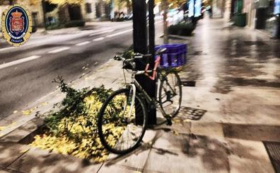 La Policía recuerda cómo debes aparcar tu bicicleta para no incumplir la normativa