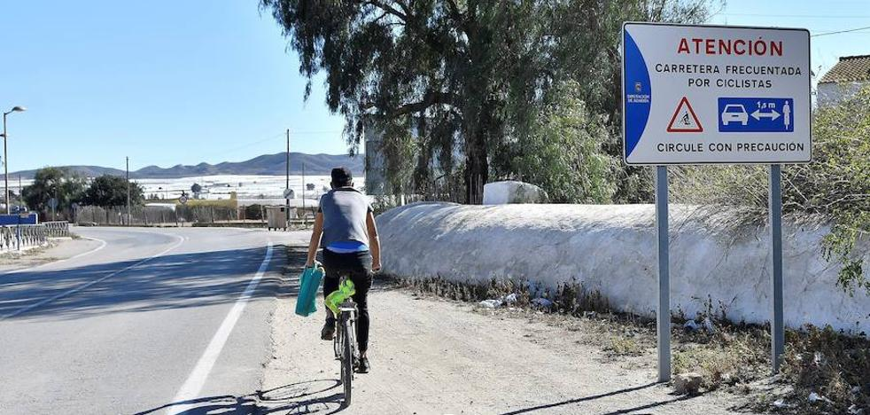 Sindicatos consideran accidente laboral la muerte del ciclista atropellado por autobús en Níjar