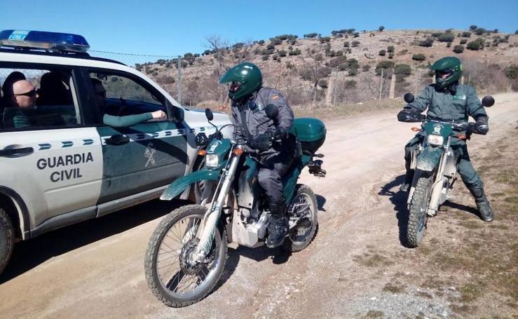 Una veintena de agentes de la Guardia Civil busca a un vecino de Granada desaparecido