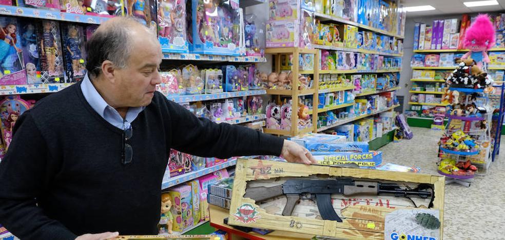 El nuevo reglamento de armas equipara las pistolas de juguete con los rifles de caza «de verdad»
