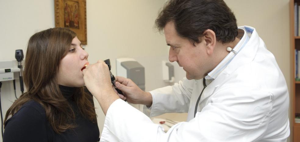 Los centros de salud de Almería atienden más de 10.000 consultas al día