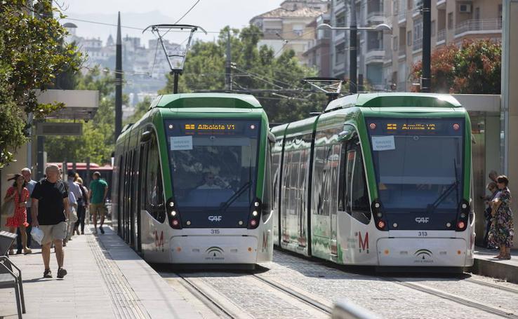 Estas son las paradas del Metro de Granada que admiten el pago con tarjeta de crédito