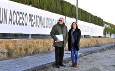 Puerta de Castro dispondrá de un acerado que la unirá con Santa Ana