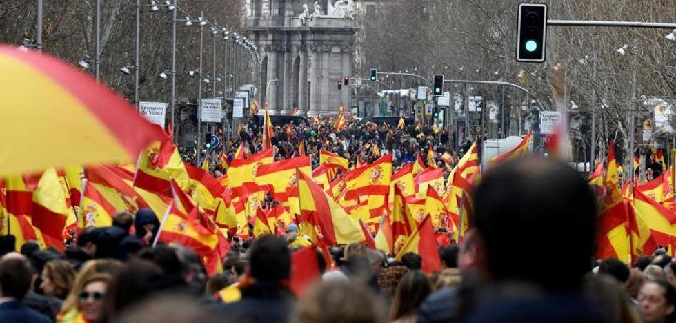 Julio Vao (VOX): «Granada no se resigna a que el Gobierno venda a España al secesionismo catalán»