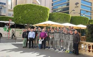 Unicaja pasea la undécima Copa del Rey por las calles de Almería