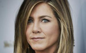 Jennifer Aniston cumple 50 años junto a sus ex