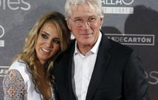 Richard Gere y Alejandra Silva ya tienen un niño