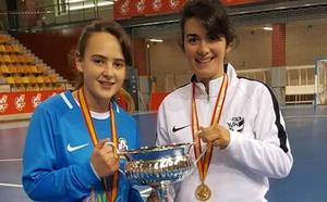 Las cañoneras María Triviño y Tamara Estévez, campeonas de España de fútbol sala