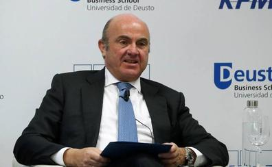 Guindos apunta que BBVA es «el más interesado» en aclarar con rapidez el caso del espionaje