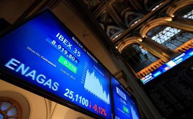 El Ibex-35 rebota un 0,90% con solo siete valores en rojo