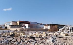 El Ayuntamiento de Almería ejecuta las obras de derribo en la desembocadura del río Andarax