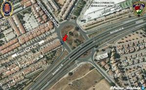 Aviso de la Policía Local de Granada: el coche que fugado en el accidente del Serrallo podría ser un Mercedes