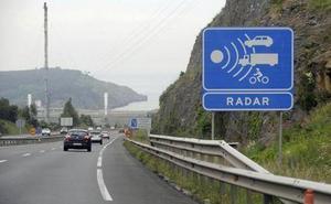 Avisador, detector e inhibidor de radar: ¿cuáles son ilegales y qué multas conllevan?
