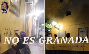 Las falsas pintadas en Granada contra la Iglesia que han engañado a los usuarios de las redes sociales