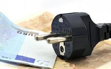 Hacienda podrá revisar tu factura de la luz y quitarte dinero por «gastar poco»