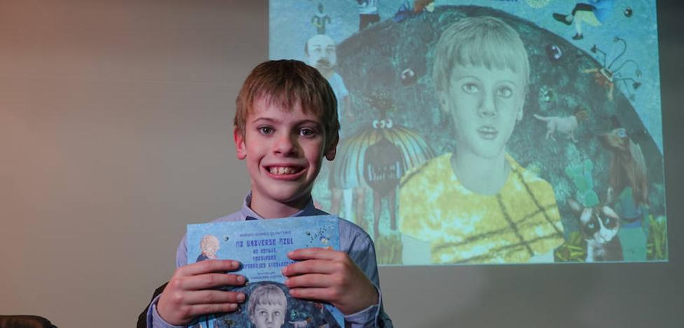 Un niño granadino de diez años con trastorno autista publica su primer libro