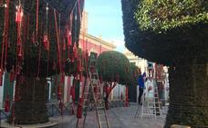 El Casco Histórico celebra San Valentín con 1.640 botellas con mensajes dentro