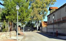 Deberán reponer en el Residencial la Cruz de Linares tuberías y caudales de agua