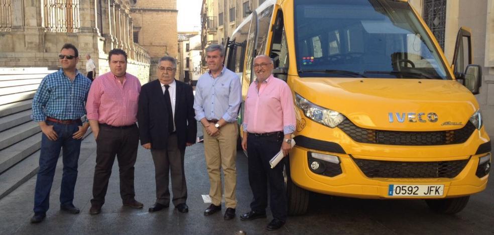 Castillo vendió dos microbuses sin informar al Ayuntamiento de Jaén