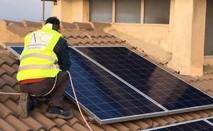 La desaparición del impuesto al sol relanza la instalación de paneles fotovoltaicos en Granada