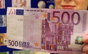 Le devuelven el billete de 500 euros que encontró en un bar