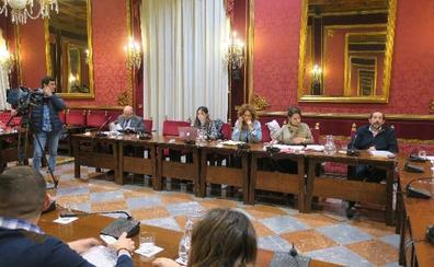 La oposición municipal pide que se aclare el futuro económico de la OCG y el Centro Lorca