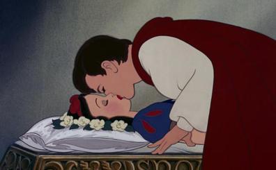 'Blancanieves y los siete enanitos', el primer beso animado