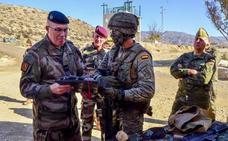 La Brigada de La Legión recibe la visita del general Nicol, jefe de la 6ª Brigada francesa