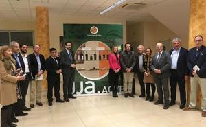 Los amantes del aceite ya pueden adquirir los Jaén Selección en la tienda oficial de la UJA
