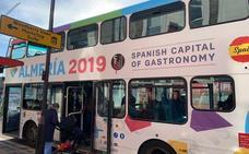 El bus londinense que promociona 'Almería 2019' ya está en la calle