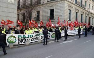 Los trabajadores de Cemex en Gádor ratifican el acuerdo