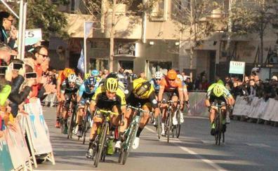 La celebración de la Clásica de Almería provocará desvíos de tráfico mañana