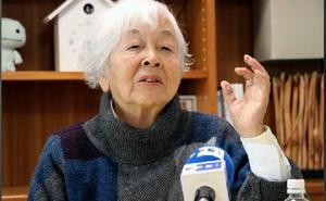 La abuela japonesa que trabaja de intérprete para los turistas a sus 90 años