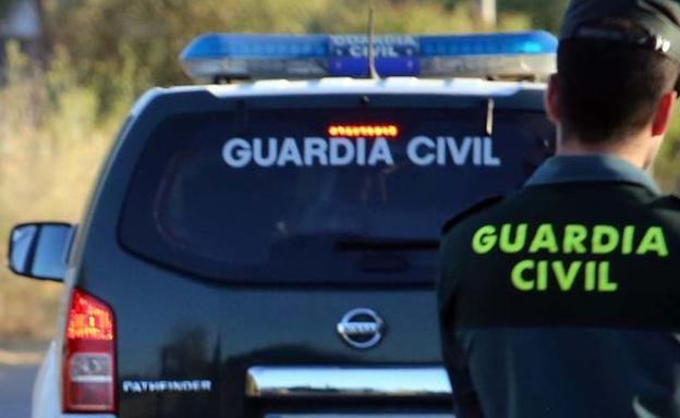 Tres individuos atracan un supermercado en Alhendín armados con pistolas
