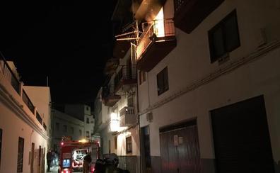 Un brasero parece ser la causa del incendio de Salobreña