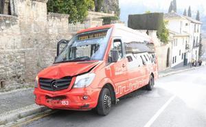 Dos microbuses de la Rober colisionan en la Cuesta del Chapiz