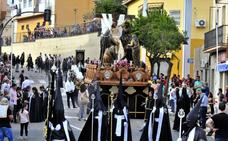 Preocupación ante la falta de costaleros del Descendimiento en Linares