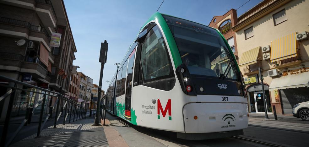 Un accidente del Metro en Maracena deja un herido leve