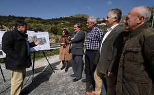 Diputación mejora la conexión de Lentegí con la 'carretera de la Cabra'