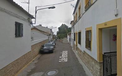 Un anciano resulta herido leve tras una deflagración de gas en su casa de Canena