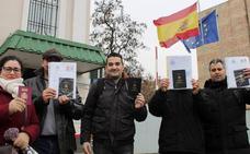 Cinco familias de niños nacidos por gestación subrogada en Ucrania llegan a España