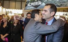Primera reunión de Moreno con el alcalde de Almería y el presidente de la Diputación