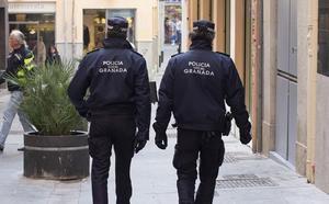 El Ayuntamiento de Granada aprueba la convocatoria de nuevas plazas para la Policía Local y Bomberos
