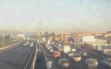 Un motorista, herido en un accidente en la Circunvalación de Granada