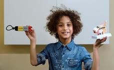Un niño español de 8 años idea un implante auditivo interno que evita «pérdidas, golpes y humedad»