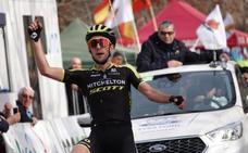 La Vuelta toma el Paseo de la Bomba con victoria de Simon Yates