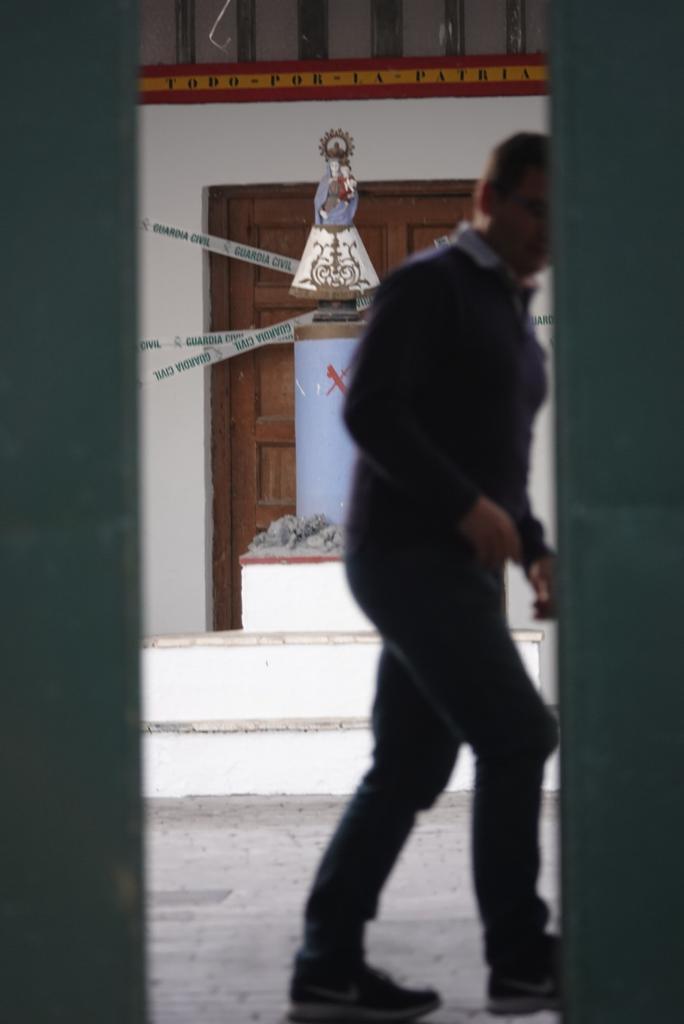 Roban cinco pistolas y munición de un cuartel de la Guardia Civil en Láchar