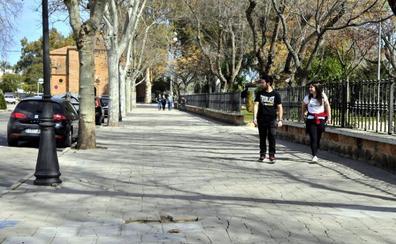 Los planes de empleo para Linares suponen un 'respiro' en materia de personal